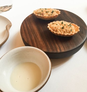 Oyster: pis and velouté.